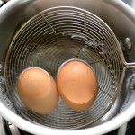 immerse eggs in hot water |kannammacooks.com #boil #eggs