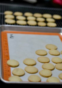 Transfer-to-wire-rack-to-cool |kannammacooks.com #bakery#cookies#teashop#biscuits#recipe