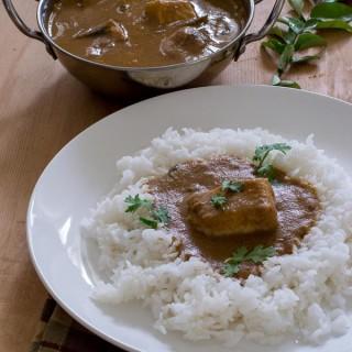 Tamilnadu_karaikudi_chettinadu_vanjaram_meen_kuzhambu_fish_curry_authentic_recipe  kannammacooks.com #vanjaram #traditional #fish_curry #recipe # tamarind #meen #curry #kuzhambu