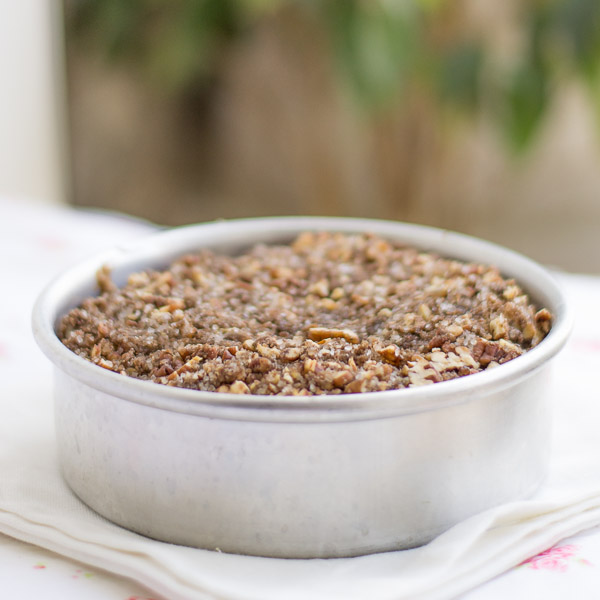 No-butter-easy-pecan-cinnamon-streusel-coffee-cake-recipe |kannammacooks.com #pecan #streusel #healthy #coffee #cake #easy #recipe #thanksgiving
