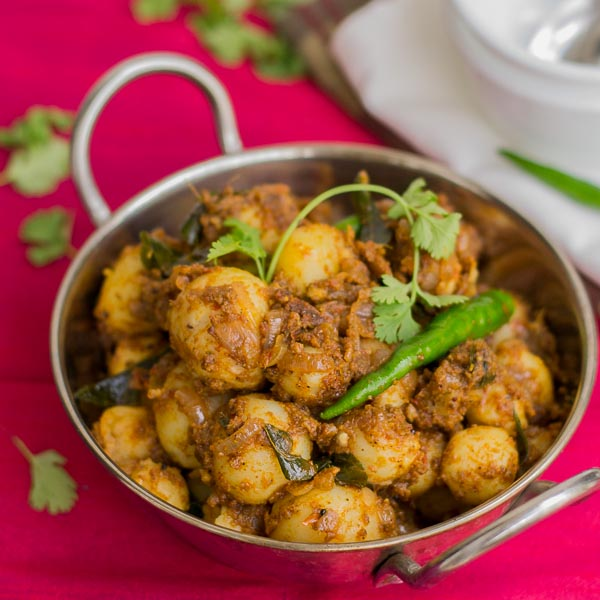 South Indian Chettinad Urlai Roast / Baby potatoes Roast