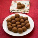 Neikarapatti Vazhakkai Vadai / Vazhakkai Kola / Plantain Vada Recipe