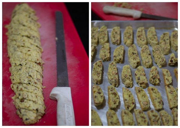 almond-biscotti-recipe-cut