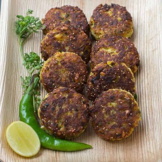 Cauliflower-vada-gobi-fritters-evening-snack