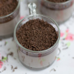 Eggless-Chocolate-mousse-pudding-with-china-grass-recipe