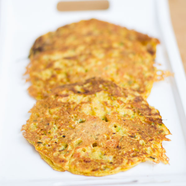 Glutenfree-vegan-besan-tomato-omelette-indian-breakfast-recipes |kannammacooks.com #glutenfree #vegan #omelette #indian #chickpea #flour #pancake #yummy #breakfast #fluffy #recipe #indian