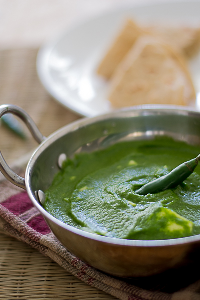 Indian-palak-paneer-recipe-spinach-curry-with-cheese-1 |kannammacooks.com #palak #spinach #six #ingredient #easy #healthy #quick #cheese #curry #everyday #lunch #indian