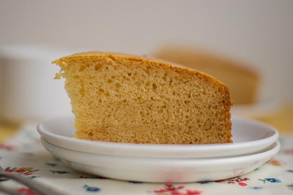 best-basic-eggless-vanilla-sponge-cake-moist-soft-and-fluffy-recipe
