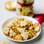 black-pepper-biscuits-with-garlic-recipe-1-3