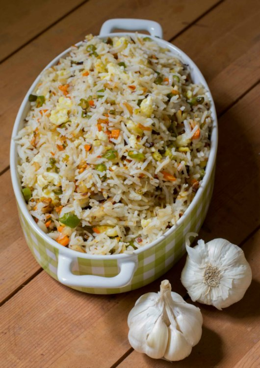 burnt-garlic-vegetable-fried-rice-indo-chinese-recipe