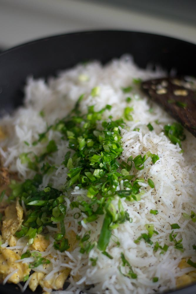 egg-fried-rice-recipe-garnish