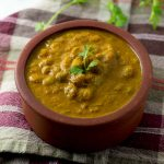 Mochai Kuzhambu Recipe – Field Beans Curry