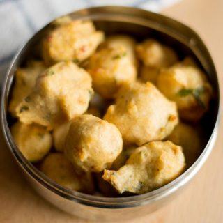 thellattu-urad-idli-rice-batter-vada