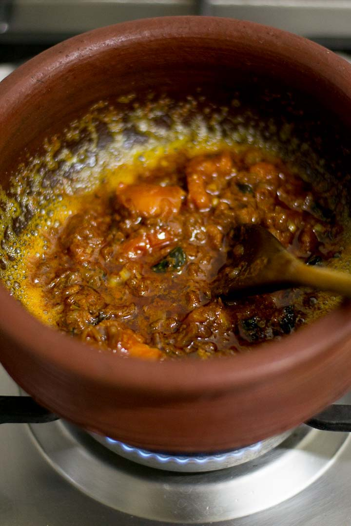 varutharacha-meen-curry-recipe-with-coconut-kerala-malabar-style-1